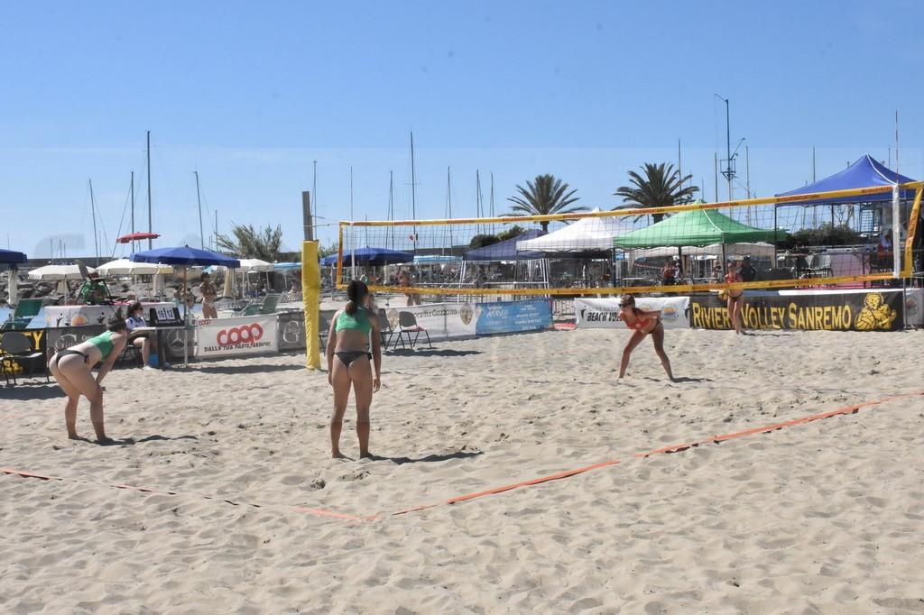Sanremo: è partito il grande fine settimana del beach volley, da domani a domenica i tornei Open (Foto e Video)