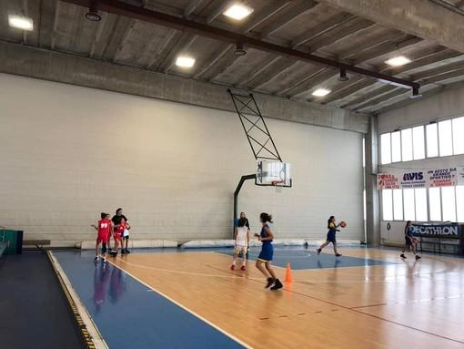 Pietra Ligure, intervento di manutenzione all'interno del Palazzetto dello Sport
