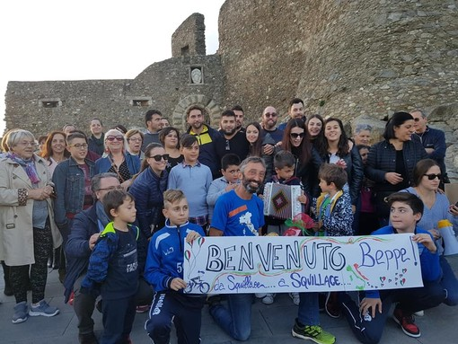 Beppe Squillace e la sua impresa: 1400 km da Pietra Ligure a Squillace, in Calabria