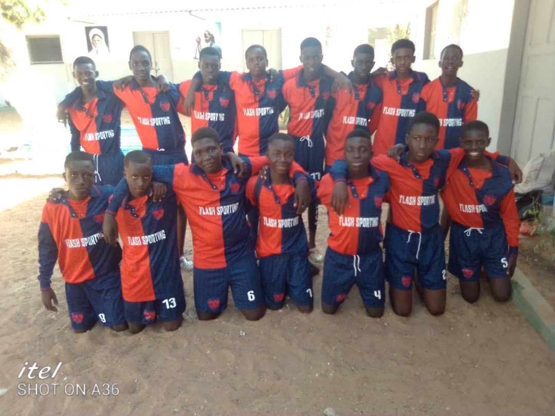 Calcio. I colori e le maglie del Borgio Verezzi arrivano a Dakar