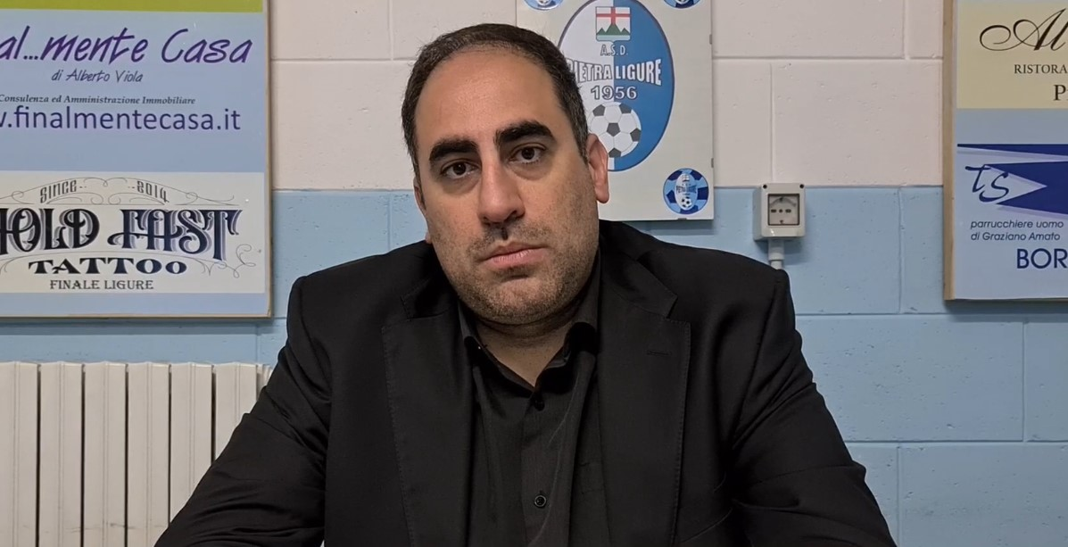 """Calcio, Pietra Ligure. Un nuovo """"vestito"""" per mister Pisano, il tecnico spiega i motivi del passaggio al 3-4-3: """"Giusto essere più aggressivi, il Finale ci avrebbe fatto girare a vuoto"""" (VIDEO)"""