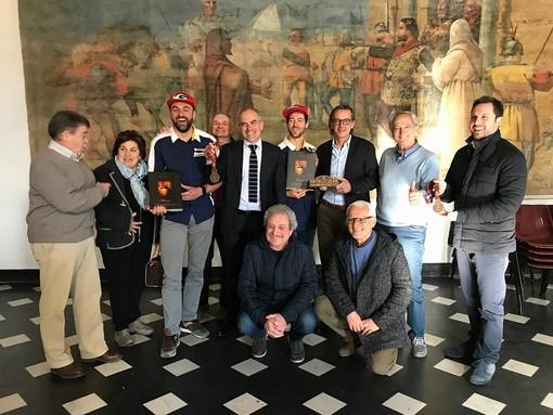 Il sindaco di Albenga incontra i piloti della Dakar Maurizio Gerini e Fausto Vignola
