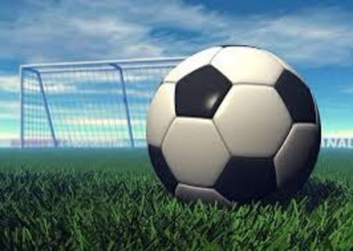 Calcio giovanile. 33° Trofeo Caravella, grandi emozioni nelle prime giornate e fase a gironi subito combattuta