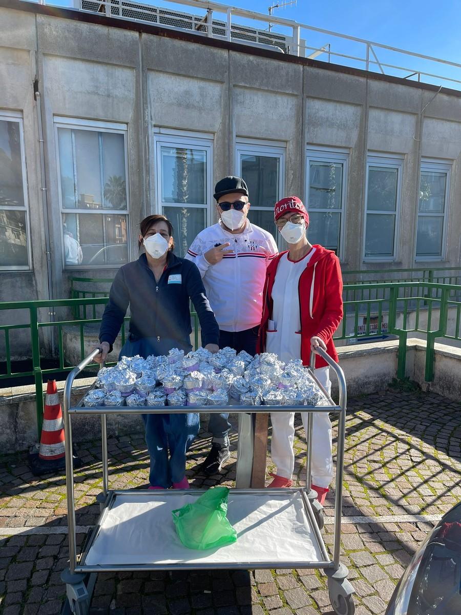 Calcio. Pro Savona, consegnate altre 150 confezioni di gelato all'ospedale Santa Corona di Pietra Ligure