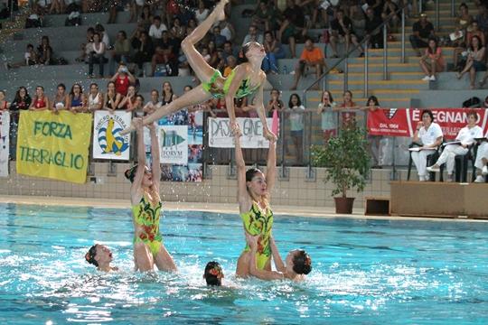 Syncro campionato italiano estivo categoria ragazze da domani alla piscina zanelli 395 atlete - Piscina zanelli savona ...