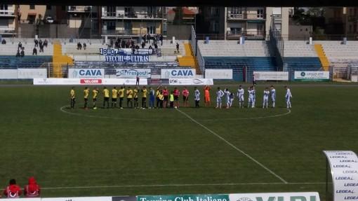 """Calcio. Savona, il vento è sempre nemico: la Folgore Caratese sbanca il """"Bacigalupo"""" e torna in corsa per i playoff"""