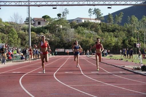 Atletica. Ai Regionali Cadetti di Boissano brillano Anna Crovetto e Mario Bersanetti