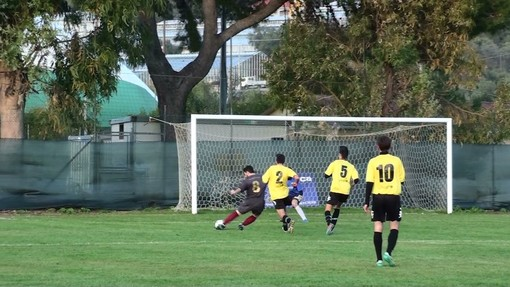 Calcio, Seconda Categoria A. L'anticipo è del Riva Ligure: 2-1 sulla Carlin's Boys B
