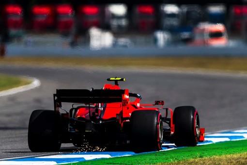 Formula 1. Disastro Ferrari in Germania: pole a Hamilton, guai tecnici appiedano Leclerc e Vettel