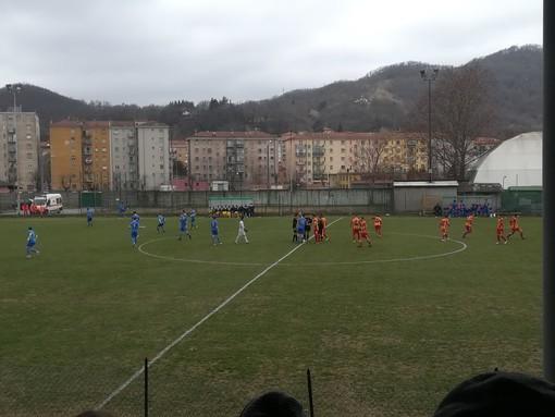 """Calcio, Eccellenza. Cairese ok, Finale ko. Nel fortino del """"Rizzo"""" i gialloblu si impongono 3-0"""