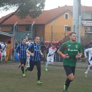 Calcio, Eccellenza. Riviviamo il big match Imperia-Albenga negli scatti di Christian Flammia (FOTO)