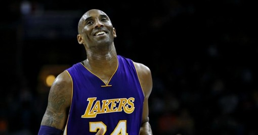 Kobe Bryant in maglia Loa Angeles Lakers (foto tratta da ilfattoquotidiano)