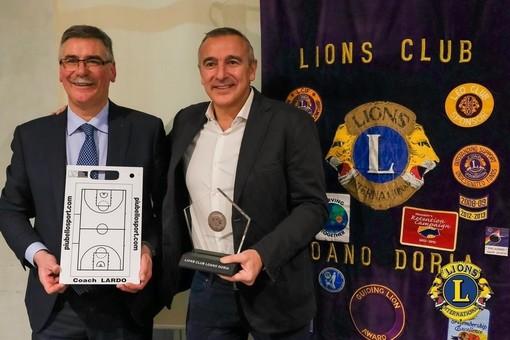 """Loano. A Palazzo Doria la consegna del """"Loanese d'Oro"""" a un grande del basket come Lino Lardo"""