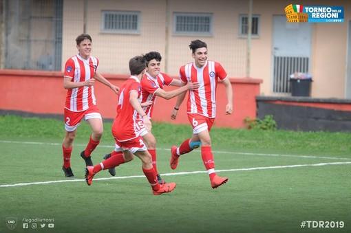 La Liguria Giovanissimi festeggia una rete al Torneo delle Regioni (foto LND)