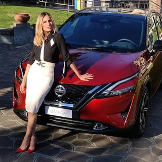 """Rivierauto Galvagno Spa sceglie Alassio ed Eleonora Pedron per il lancio del nuovo Nissan Qashqai: """"Elegante, sportivo, bello"""" (FOTO e VIDEO)"""