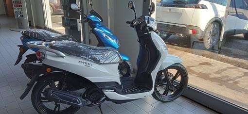 Voglia di scooter? Scopri la gamma Peugeot da Autodoria ad Albenga