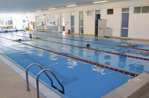 Alassio, dopo i lavori di ristrutturazione, la piscina ha riaperto i battenti