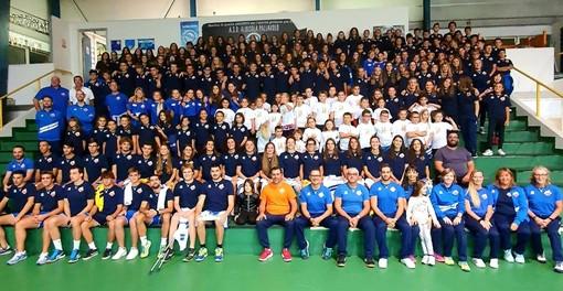 FOTONOTIZIA: Albisola Volley, grande foto di gruppo per abbracciare la nuova staigone