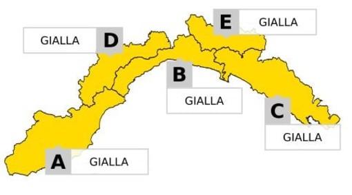 Maltempo in Liguria, modificata l'allerta meteo per temporali, a Genova prolungata fino a mezzanotte