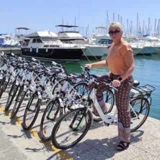 Andora, dal porto all'entroterra pedalando: alla Marina arrivano le biciclette a pedalata assistita