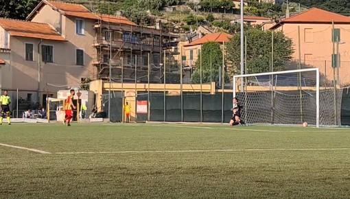 Calcio. Finale - Sestrese: ecco la serie dei calci di rigore. La vittoria ai giallorossi (VIDEO)