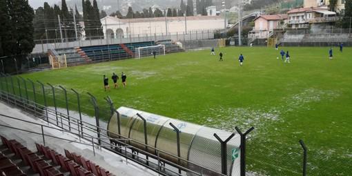 Calcio, Eccellenza: via libera per Imperia - Albenga, le squadre stanno per entrare in campo (FOTOGALLERY)
