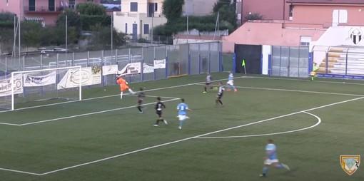 Calcio, Albenga - Pietra Ligure. Decide un gran gol di Battuello, ecco la rete (VIDEO)
