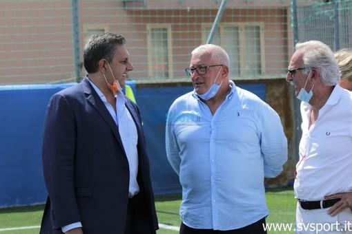Giovanni Toti in visita allo stadio De Vincenzi lo scorso agosto