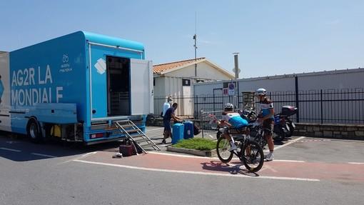 Milano-Sanremo, la squadra francese AG2R La Mondiale in ritiro ad Andora (FOTO)