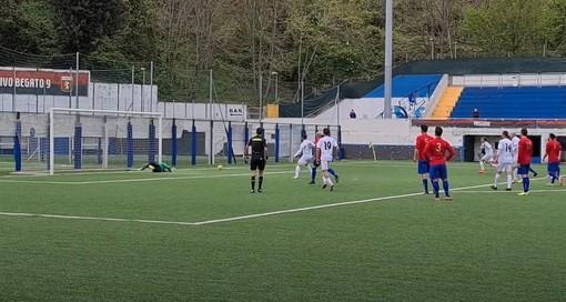 Calcio. Rigori decisivi in Albenga, Campomorone. Canciani dice no a Costantini, Gandolfo realizza il 2-0 (VIDEO)