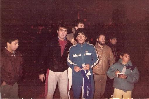 Tony Saltarelli con Diego Armando Maradona