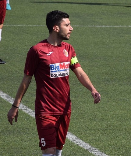 Calcio, Promozione. Andrea Cosentino continuerà a vestire la maglia della Veloce