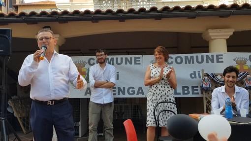 """Calcio, Albenga. Prima uscita pubblica per la famiglia Colla: """"L'auspicio è di essere all'altezza di questa grande piazza"""" (VIDEO)"""