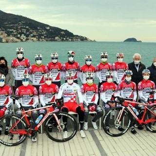 Ciclismo: allenamenti nella Baia del Sole per l'Androni Giocattoli Sidermec, grande esclusa dal Giro 2021