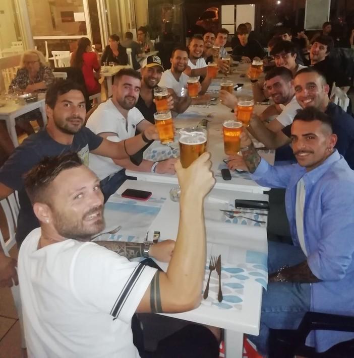 """FOTONOTIZIA. Il gruppo della San Francesco si cementa a cena. Ufficiale anche l'arrivo del """"Pocho"""" Gualerzi"""