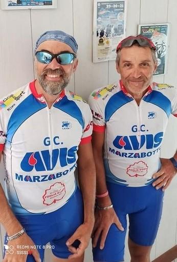 Dalla provincia di Bologna ad Altare in bici per sostenere l'Avis: tappa valbormidese per due donatori di sangue