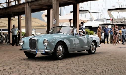 Motori: il fascino delle Classic Cars ha incantato la Marina di Varazze