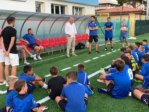 Calcio, Andora. Legame sempre più forte tra la Scuola Calcio e il Genoa