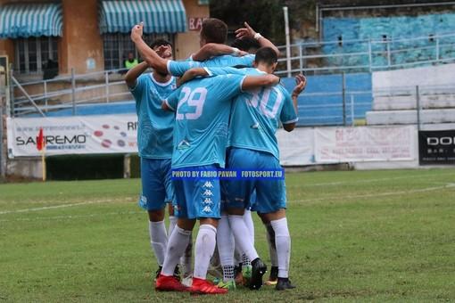 Calcio, Coppa Italia Serie D. Sanremese ai quarti di finale: dopo il 2-2 nei tempi regolamentari sono i rigori a qualificare i biancoazzurri