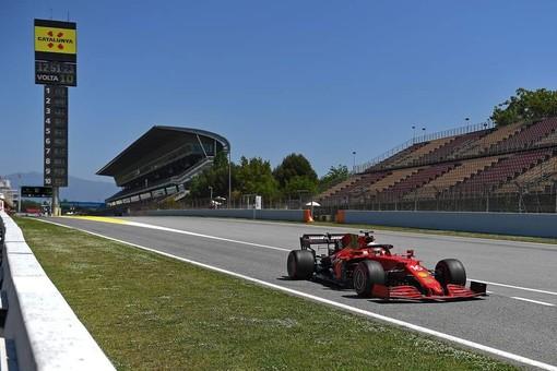 F1. Prova di maturità per la Ferrari in Spagna. Leclerc, gran gara e quarto posto del monegasco. Vince ancora Hamilton