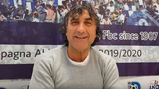 """Calcio, Savona. De Paola vuole proseguire la striscia positiva: """"Il Vado ha un portafoglio diverso dal nostro, ma puntiamo a far bene e a guardare la classifica in altro modo"""" (VIDEO)"""
