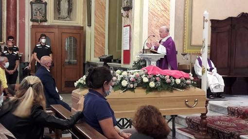 Ceriale, una folla attonita per l'ultimo saluto a Marika Galizia (FOTO)