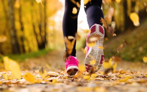 Gli accessori fitness da avere per allenarsi all'aria aperta