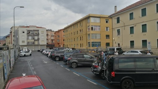 Finale si prepara all'arriva della EWS: piazzale Vuillermin diventa un paddock, stop ai parcheggi