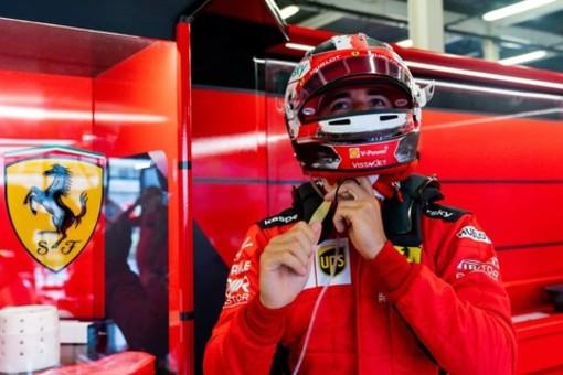 Formula 1. Nel finale di gara a Silverstone succede di tutto, sorride anche Leclerc: il monegasco della Ferrari è terzo