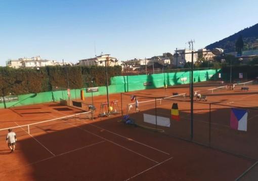 Tennis. Sfilata di veterani e campioni all' Hanbury Tennis Club di Alassio