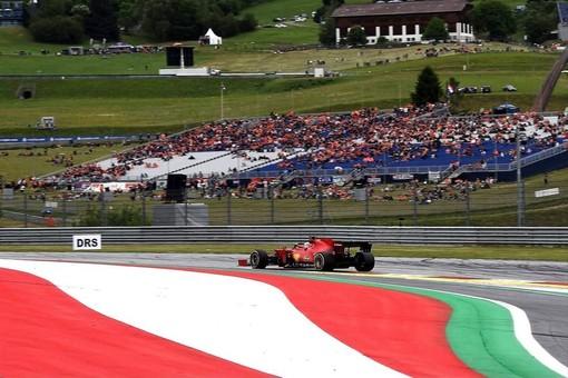 F1. In Austria la Ferrari conferma la bontà del passo gara, ma il monegasco Leclerc è solo ottavo. Vince ancora Verstappen