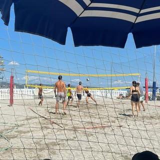 """Ceriale, successo per il torneo di Beach Volley 4x4 misto a favore del progetto """"Viceversa Asd"""""""