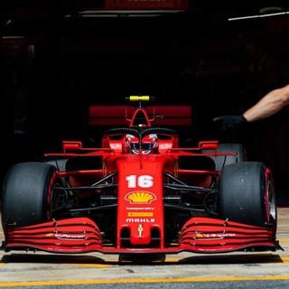 Formula 1. Domenica di Ferragosto amara per Leclerc: ritiro per la Ferrari del monegasco in Spagna