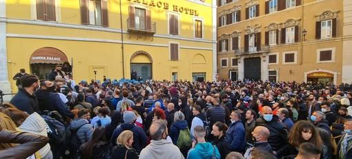 Io apro! Oggi protesta anche lo sport, ieri la manifestazione a Roma